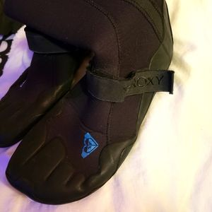 Roxy surf slippers